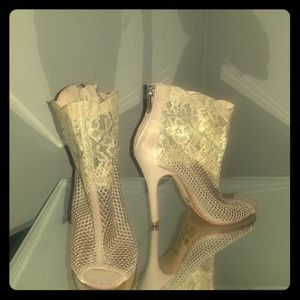 """Chinese laundry """"jeopardy"""" mesh/lace bootie"""